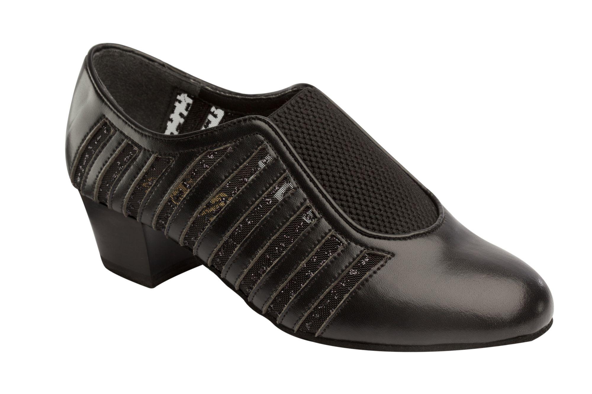 1047 Ladies Practice shoe